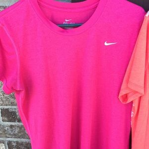 Nike Tops - Nike workout tops